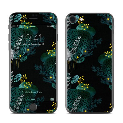 Apple iPhone 7 Skin - Night Seaflower