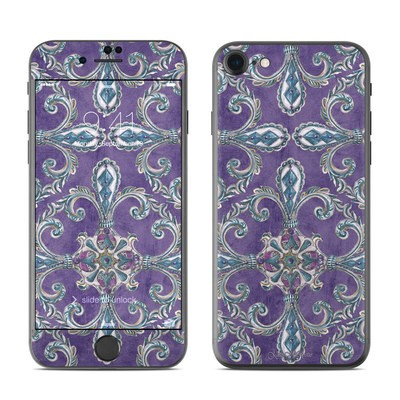 Apple iPhone 7 Skin - Royal Crown
