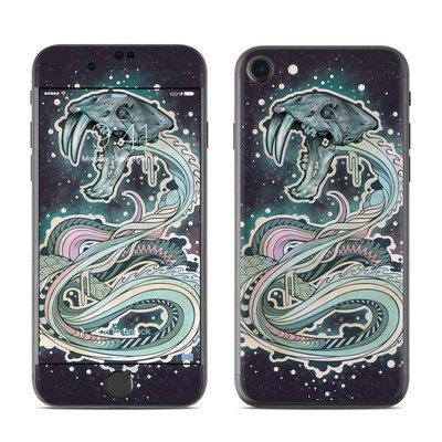 Apple iPhone 7 Skin - Saber-Toothed Serpent