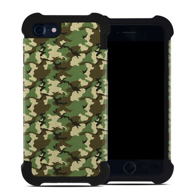 Apple iPhone 7 Bumper Case - Woodland Camo