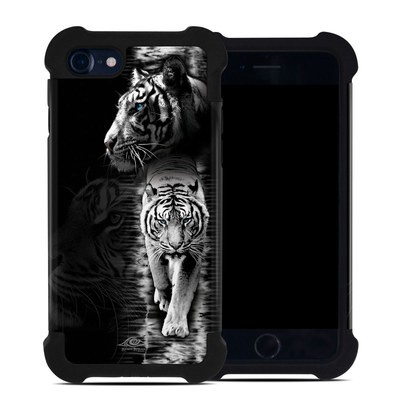 Apple iPhone 7 Bumper Case - White Tiger