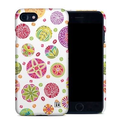 Apple iPhone 7 Clip Case - Round Flowers