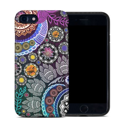 Apple iPhone 7 Hybrid Case - Mehndi Garden