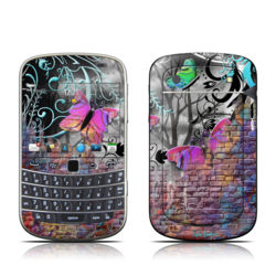 BlackBerry Bold 9930 Skin - Butterfly Wall