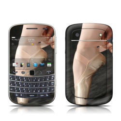 BlackBerry Bold 9930 Skin - On Pointe