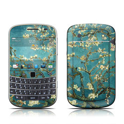 BlackBerry Bold 9930 Skin - Blossoming Almond Tree