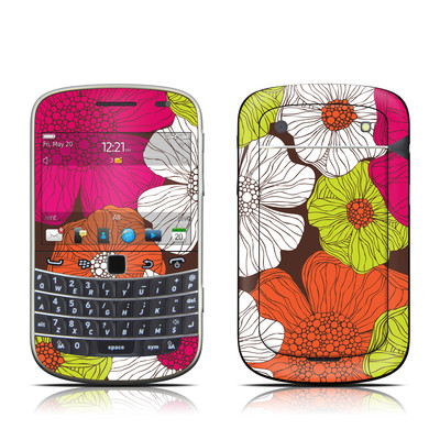 BlackBerry Bold 9930 Skin - Brown Flowers