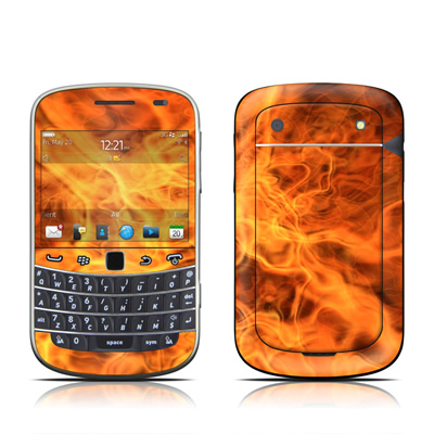 BlackBerry Bold 9930 Skin - Combustion
