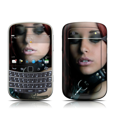 BlackBerry Bold 9930 Skin - Leashed