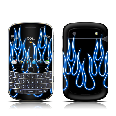 BlackBerry Bold 9930 Skin - Blue Neon Flames