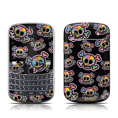BlackBerry Bold 9930 Skin - Peace Skulls