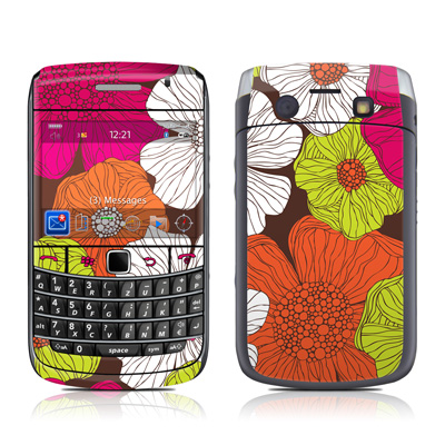 BlackBerry Bold 9700 Skin - Brown Flowers