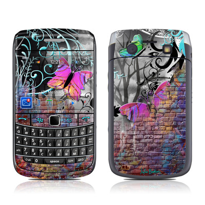 BlackBerry Bold 9700 Skin - Butterfly Wall