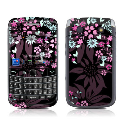 BlackBerry Bold 9700 Skin - Dark Flowers