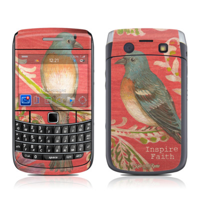 BlackBerry Bold 9700 Skin - Fresh Picked Fuschia