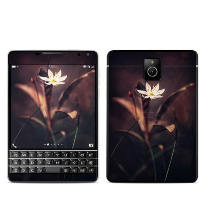 BlackBerry Passport Skin - Delicate Bloom