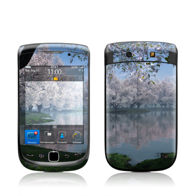 BlackBerry Torch Skin - Sakura