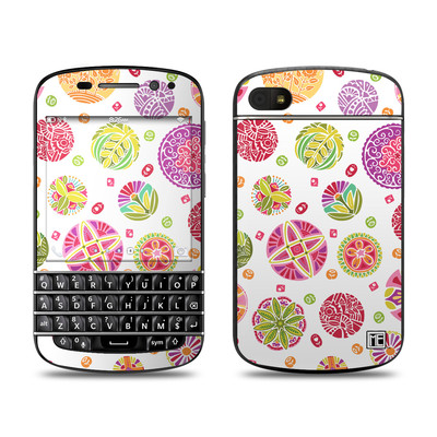 BlackBerry Q10 Skin - Round Flowers