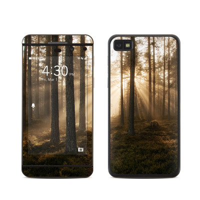 BlackBerry Z10 Skin - Misty Trail
