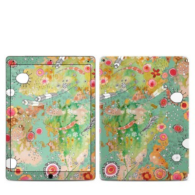 Apple iPad Pro 12.9 (1st Gen) Skin - Feathers Flowers Showers