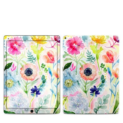 Apple iPad Pro 12.9 (1st Gen) Skin - Loose Flowers