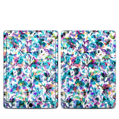 Apple iPad Pro 9.7 Skin - Aquatic Flowers
