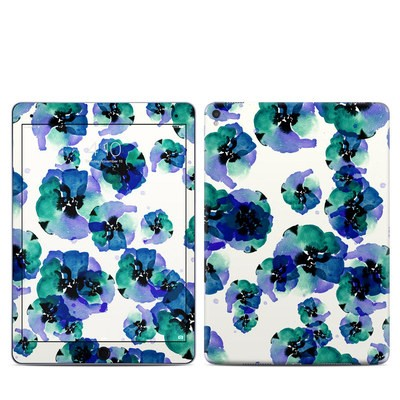 Apple iPad Pro 9.7 Skin - Blue Eye Flowers