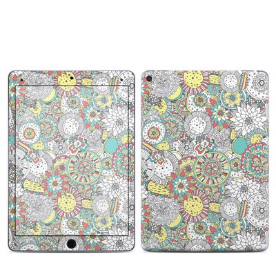 Apple iPad Pro 9.7 Skin - Faded Floral