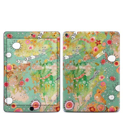 Apple iPad Pro 9.7 Skin - Feathers Flowers Showers