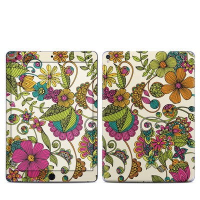 Apple iPad Pro 9.7 Skin - Maia Flowers