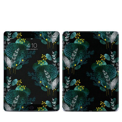 Apple iPad Pro 9.7 Skin - Night Seaflower
