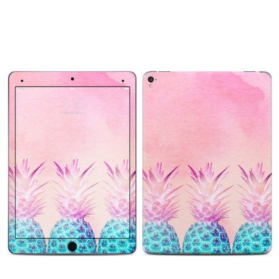 Apple iPad Pro 9.7 Skin - Pineapple Farm