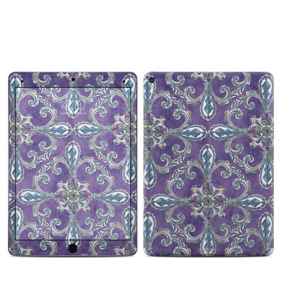 Apple iPad Pro 9.7 Skin - Royal Crown