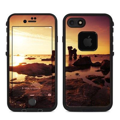 Lifeproof iPhone 7 Fre Case Skin - Gotland Rauks