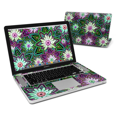 MacBook Pro 15in Skin - Daisy Trippin