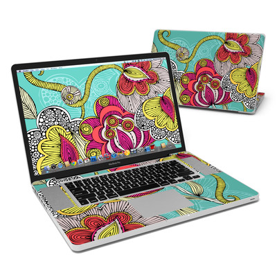 MacBook Pro 17in Skin - Beatriz