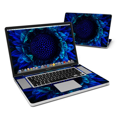 MacBook Pro 17in Skin - Cobalt Daisy