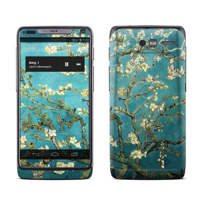 Motorola Razr M Skin - Blossoming Almond Tree