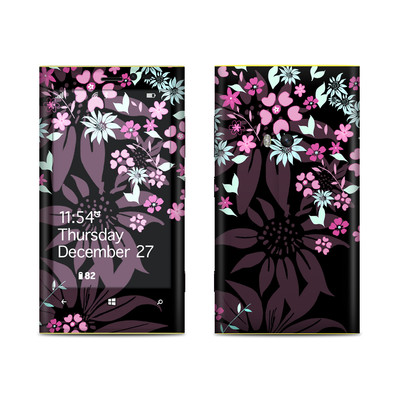 Nokia Lumia 920 Skin - Dark Flowers
