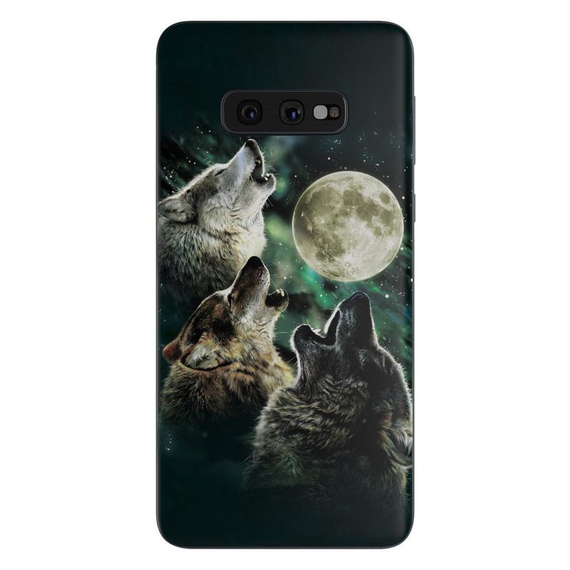 Samsung Galaxy S10e Skin Three Wolf Moon