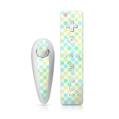Wii Nunchuk Skin - Big Dots Mint